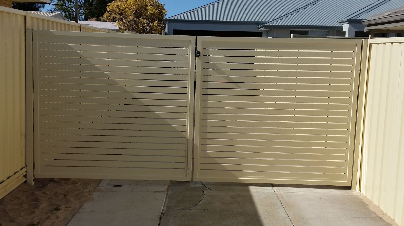 Aluminium Slatted Fencing Amp Gates Perth Rockingham
